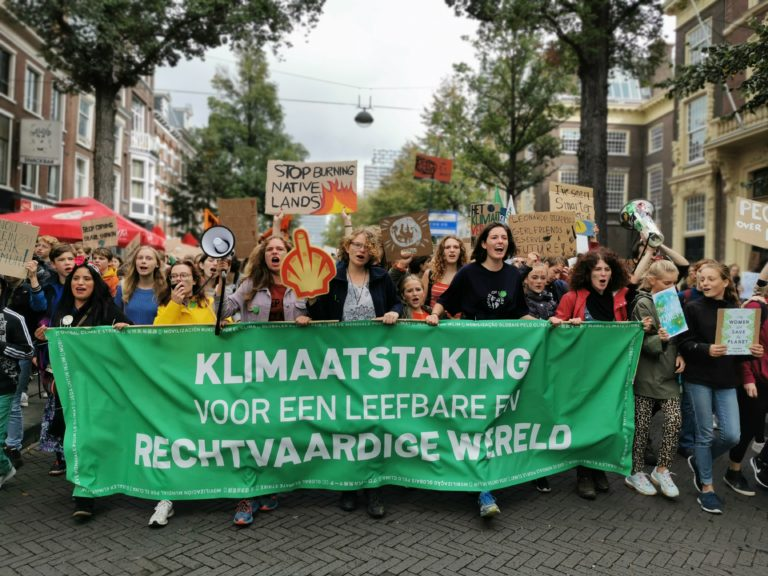 Klimaatstaking_kopspandoek_March for Future